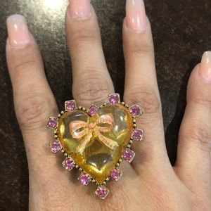 Gold heart ring with pink diamonds